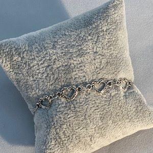 Jewelry - Adjustable silver heart bracelet